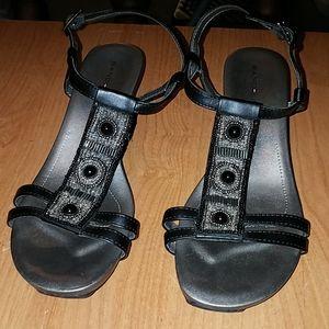 Bandolino wedge heeled sandals